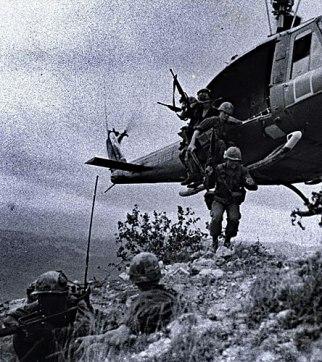 vietnam-soldiers_300